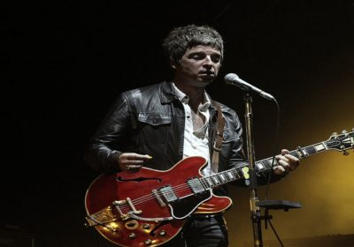 "Noel Gallagher: ""Liam era inappropriato per la cover di Wonderwall"""