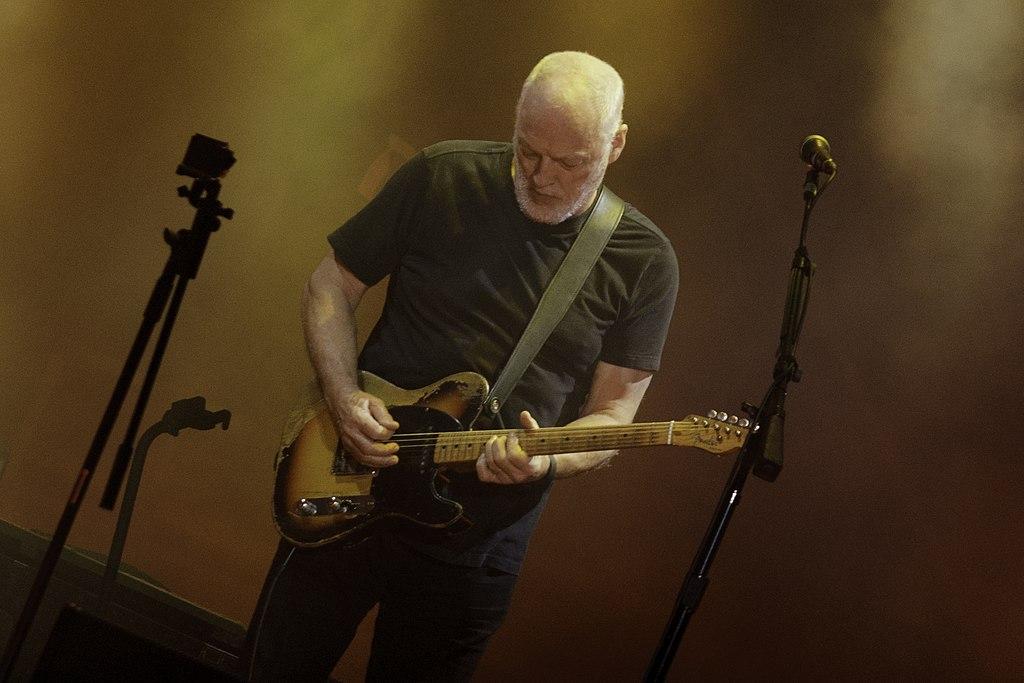 David Gilmour, quanto ha guadagnato il chitarrista dei Pink Floyd ...
