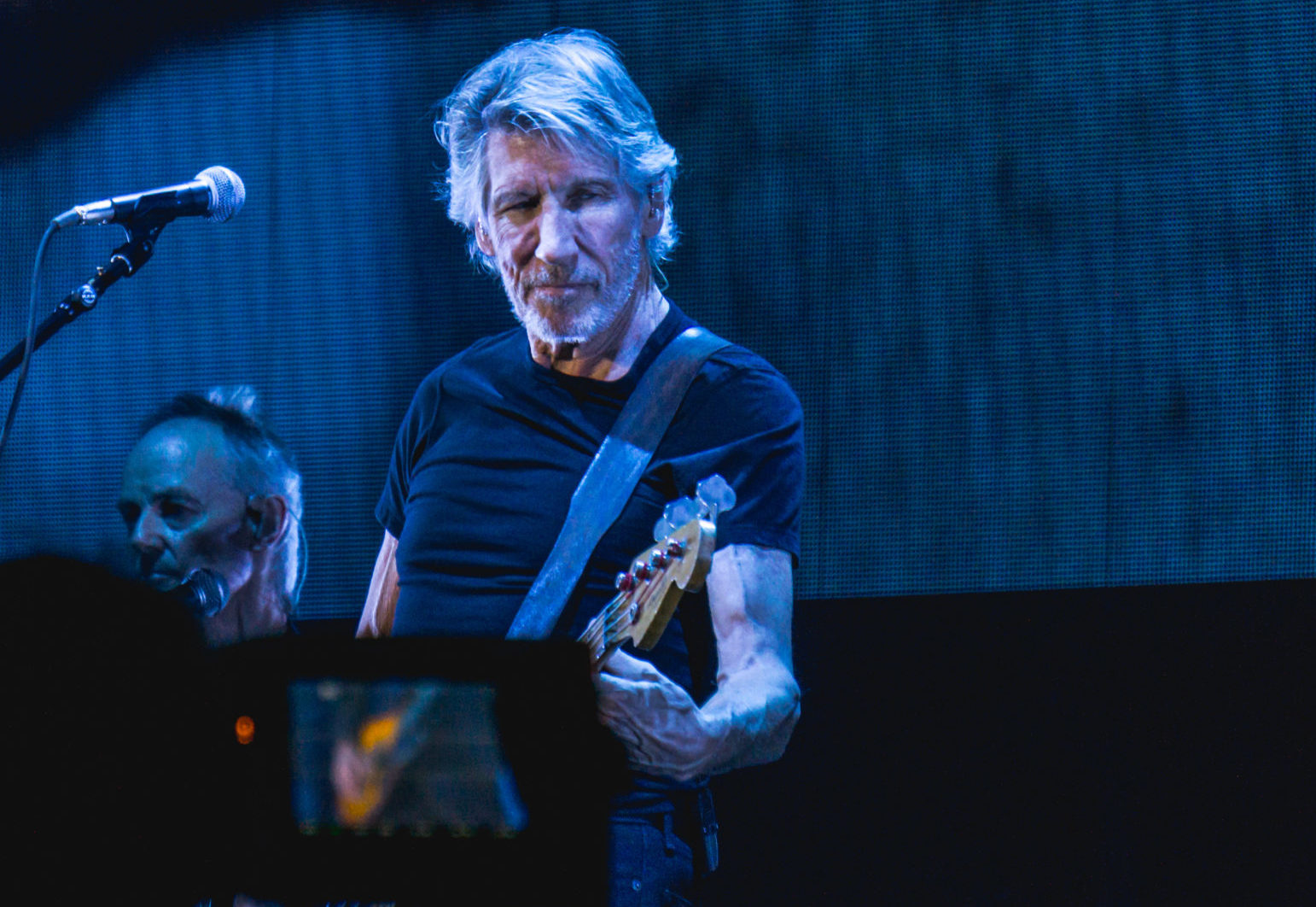 Pink Floyd, la protesta di Roger Waters contro Twitter